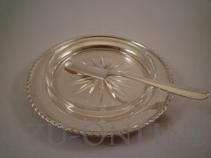 Zilveren schoteltje met glazen boterschaaltje & zilveren botermesje