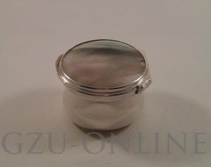 een Zilver beneden wettelijk gehalte BWG Doosje met parelmoer deksel - Antiek zilver