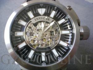een paar herenhorloge Invicta